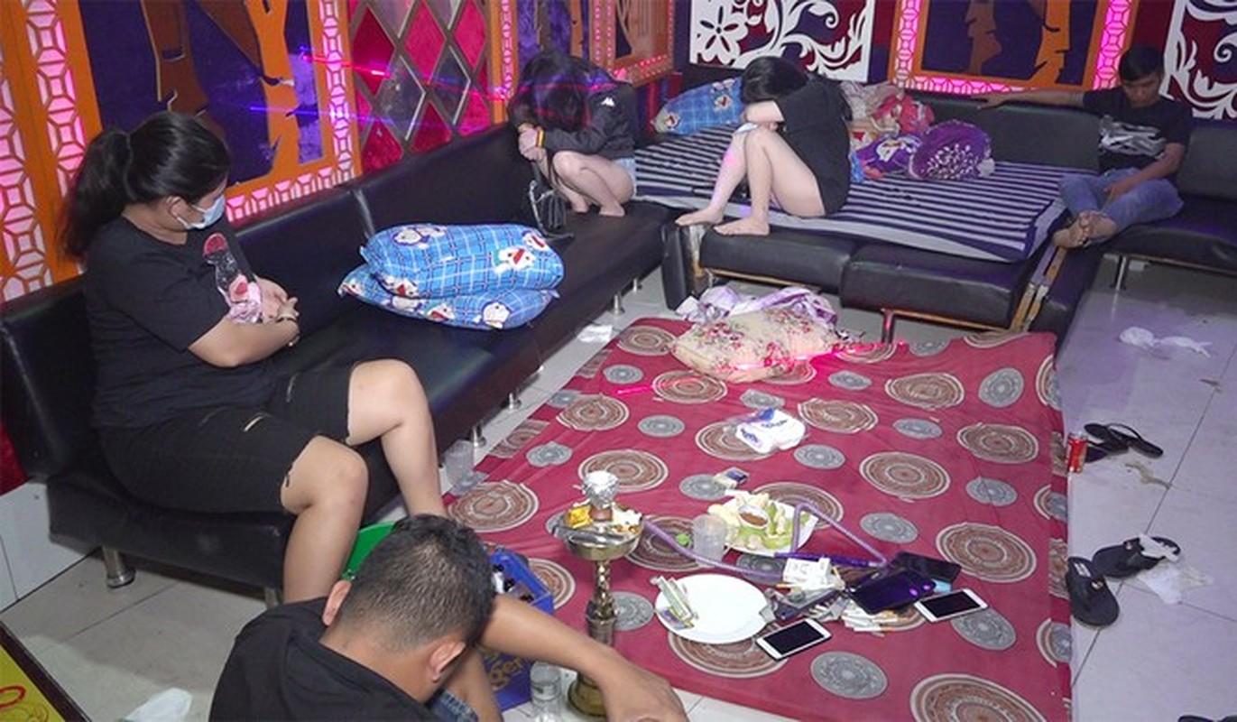 Tin nong 19/12: Khoi to nu quai sat hai nguoi phu nu don than o Binh Thuan