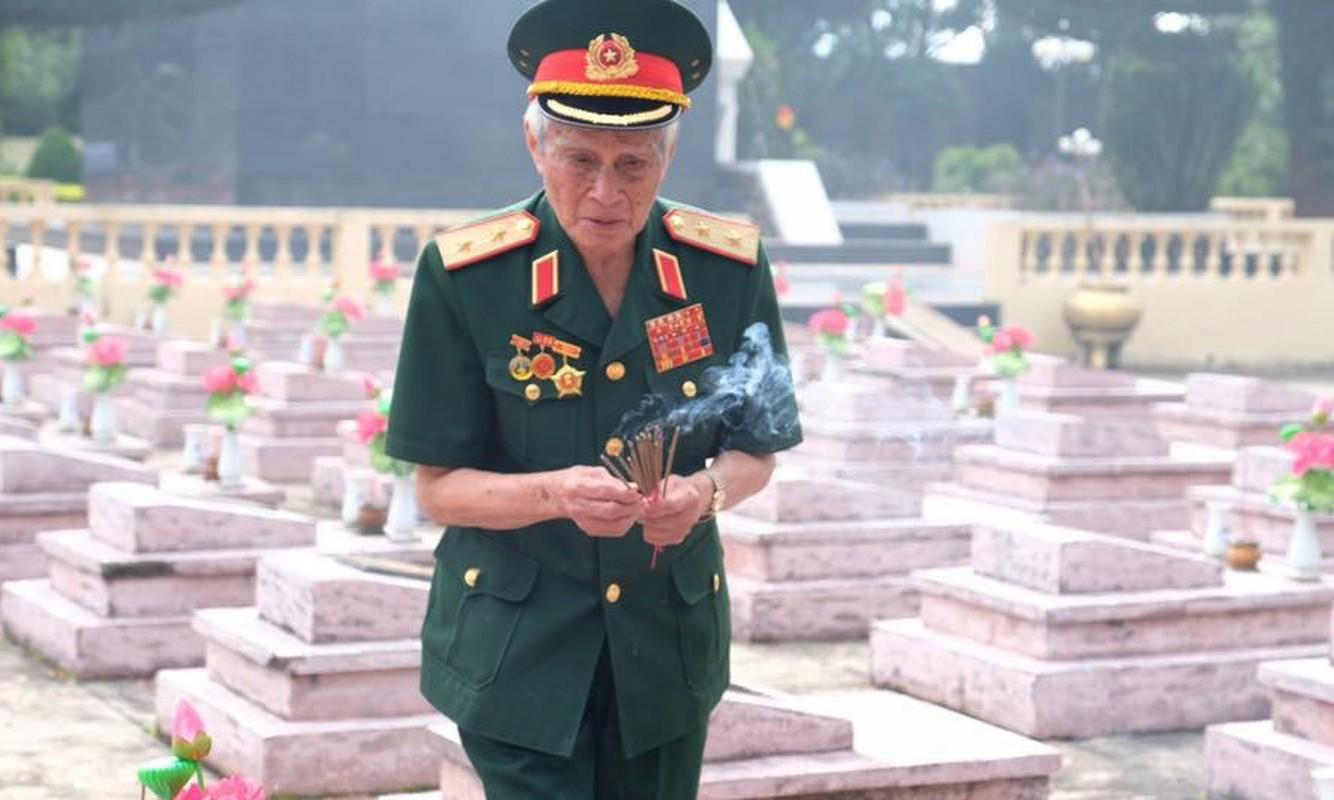 Chan dung vi tuong 94 tuoi vua nhan danh hieu Anh hung LLVTND-Hinh-13