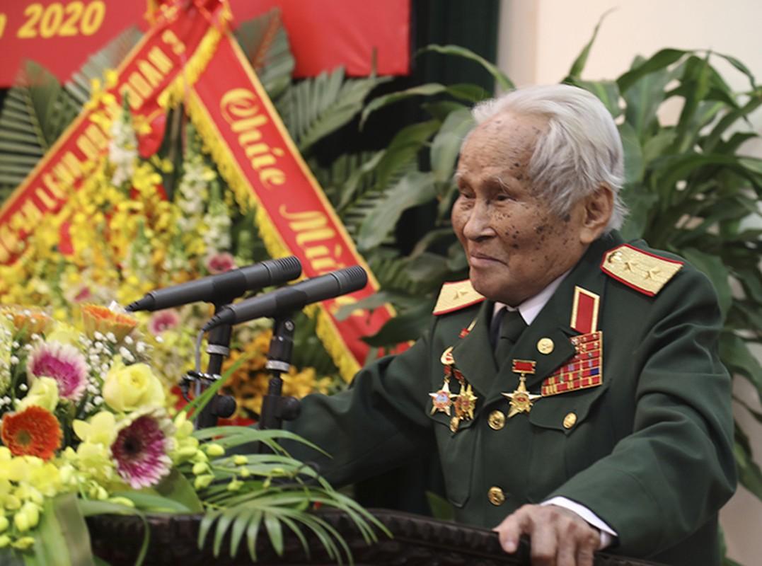 Chan dung vi tuong 94 tuoi vua nhan danh hieu Anh hung LLVTND-Hinh-17
