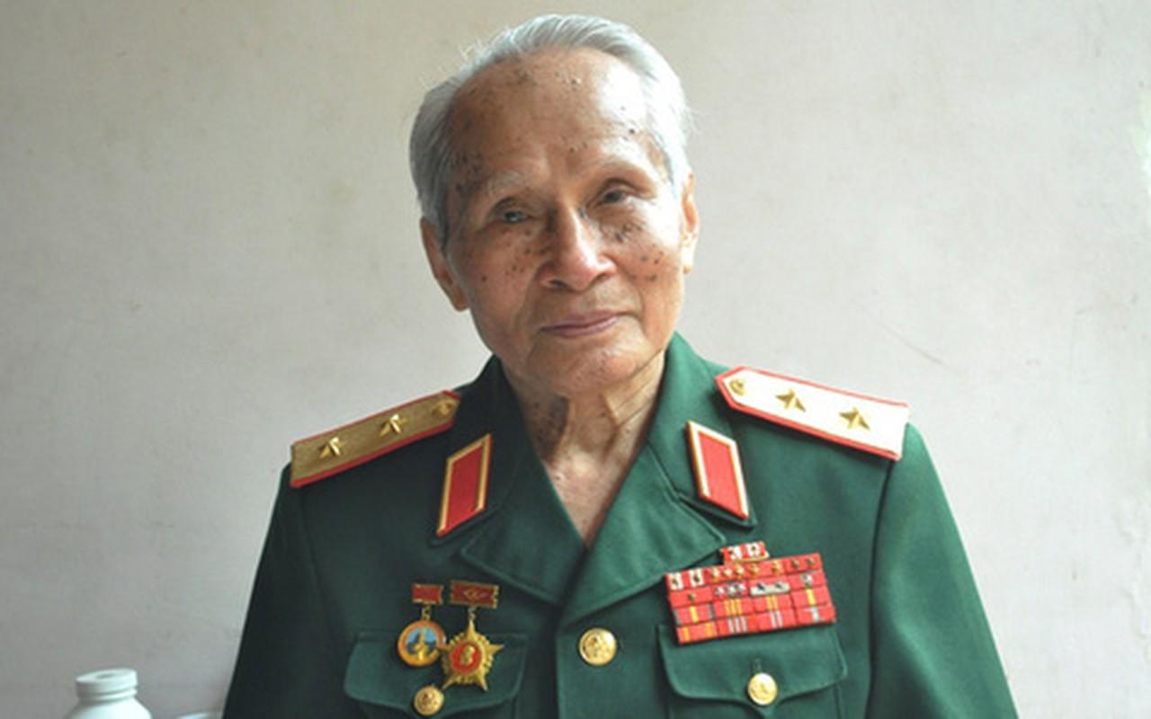 Chan dung vi tuong 94 tuoi vua nhan danh hieu Anh hung LLVTND-Hinh-6