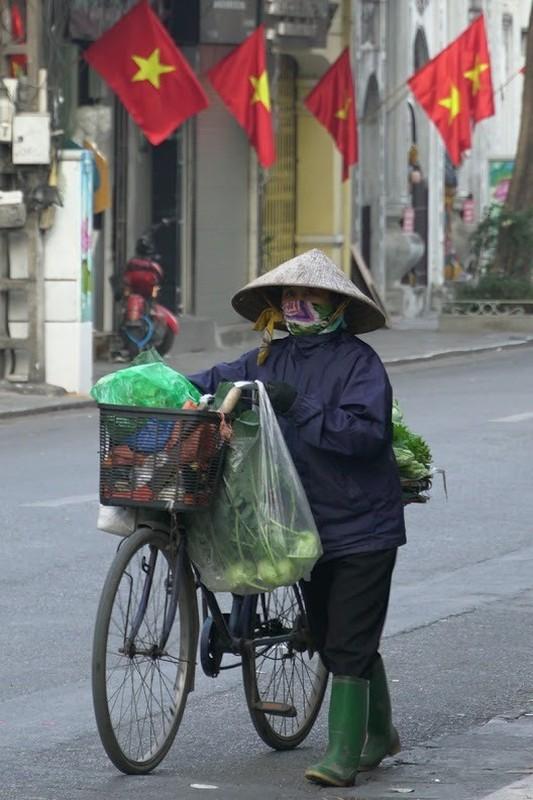 Nghi Tet: Nhieu nguoi van miet mai muu sinh trong gia lanh-Hinh-3