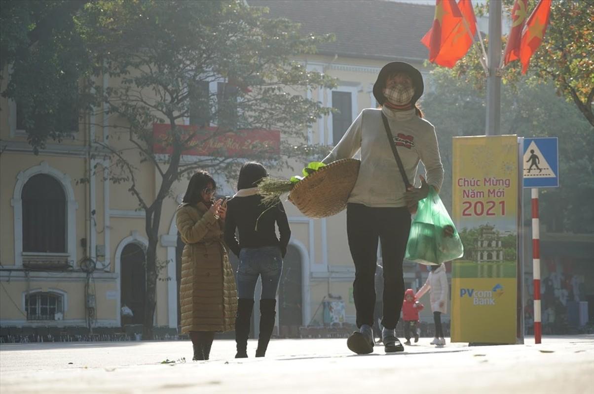 Nghi Tet: Nhieu nguoi van miet mai muu sinh trong gia lanh-Hinh-7