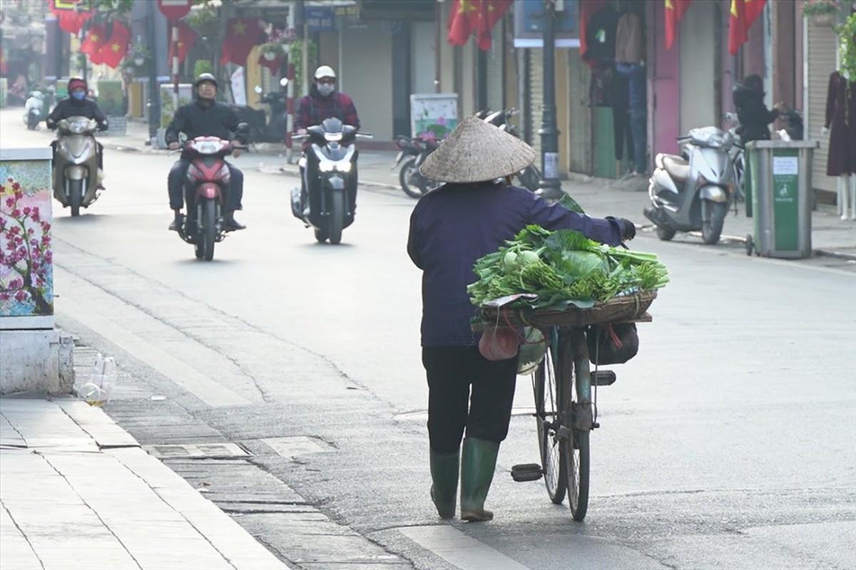 Nghi Tet: Nhieu nguoi van miet mai muu sinh trong gia lanh-Hinh-9
