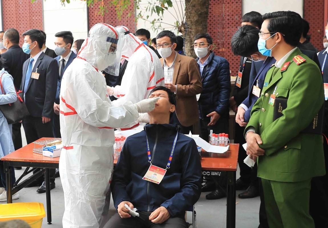 Xet nghiem COVID-19 cho cac nha bao, can bo phuc vu Dai hoi Dang lan thu XIII-Hinh-8