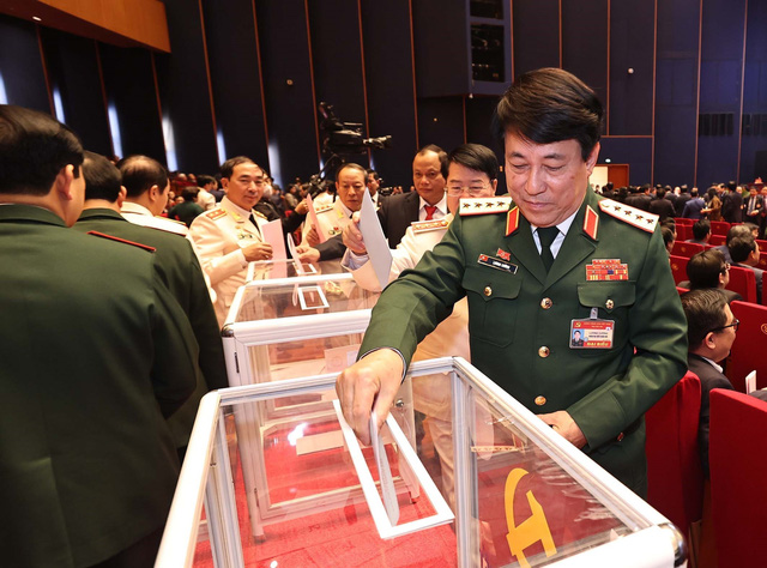 Anh: Cac dai bieu bo phieu bau Ban Chap hanh Trung uong khoa XIII-Hinh-10