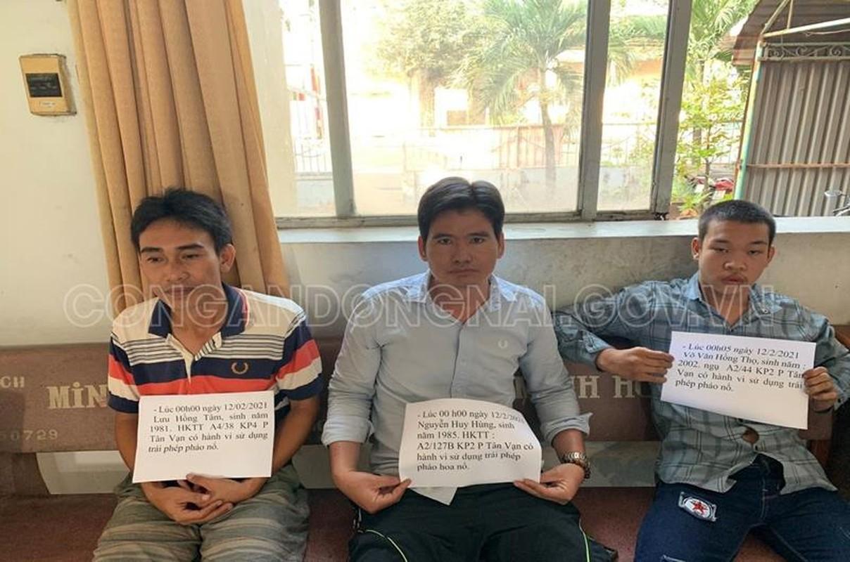 Dong Nai: Xu ly 118 doi tuong tang tru, dot phao trai phep dem giao thua-Hinh-12
