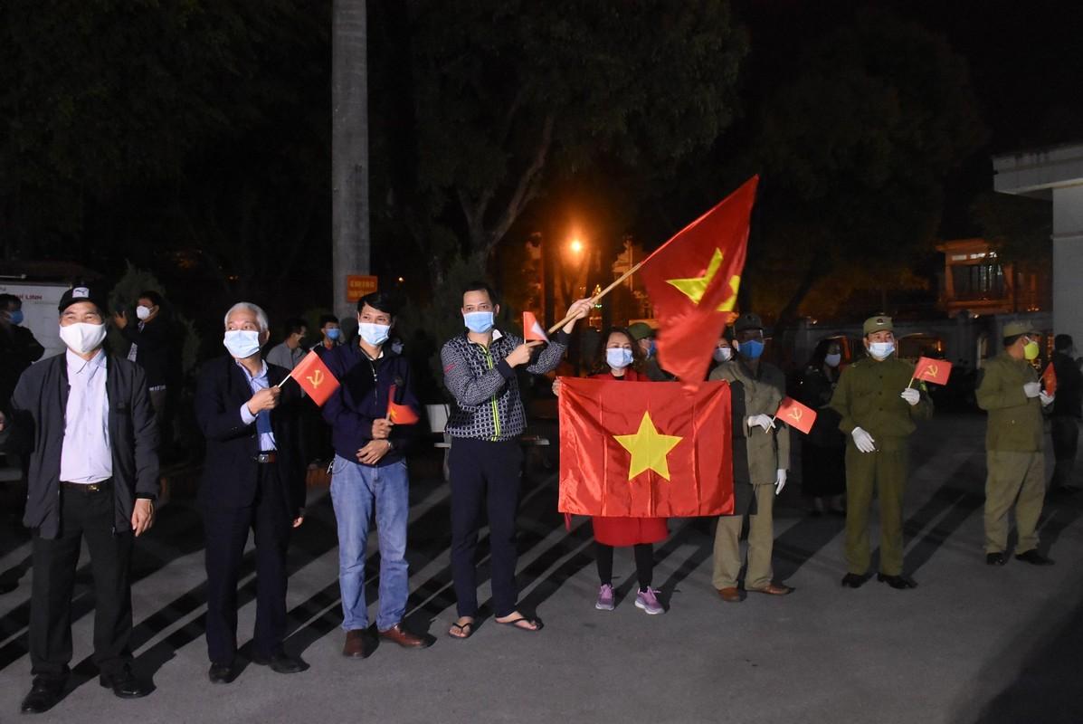 """Nguoi dan Chi Linh ho vang """"chien thang"""", TP.Hai Duong """"an mung"""" het cach ly xa hoi-Hinh-8"""