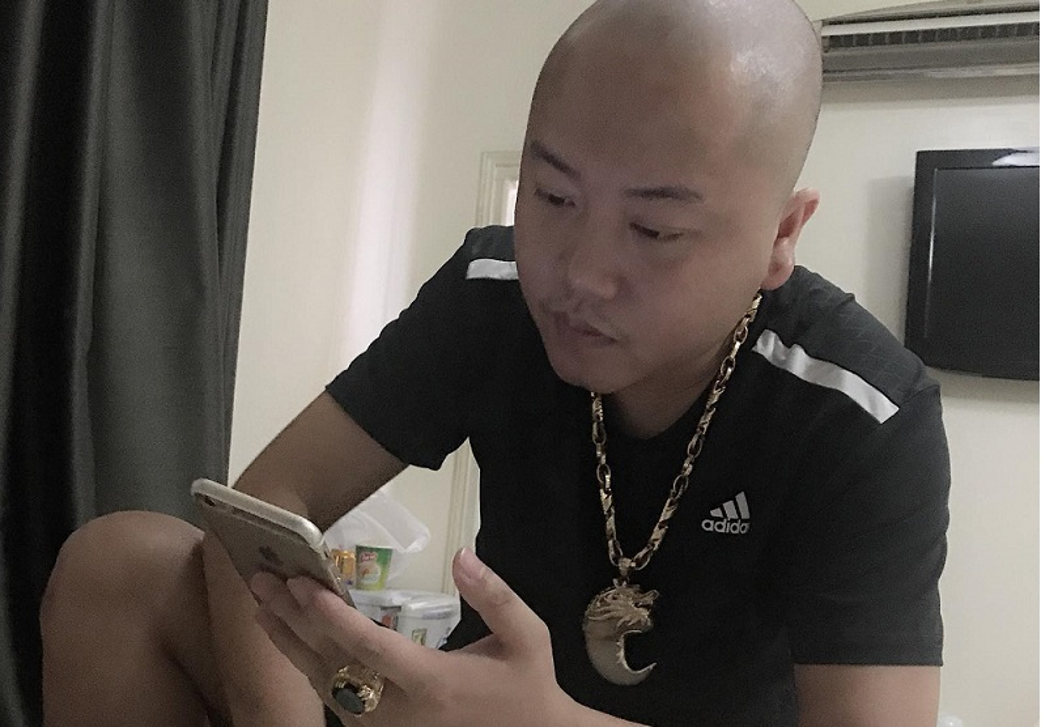 "Chan dung dai ca giang ho cam dau vu ""chon song"" nam thanh nien"