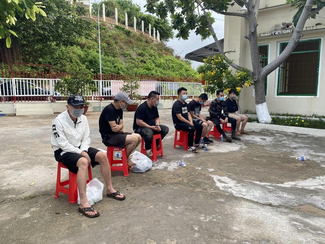 Tin nong ngay 24/4: Dieu tra thi the bi dot chay tro xuong o Binh Thuan-Hinh-4