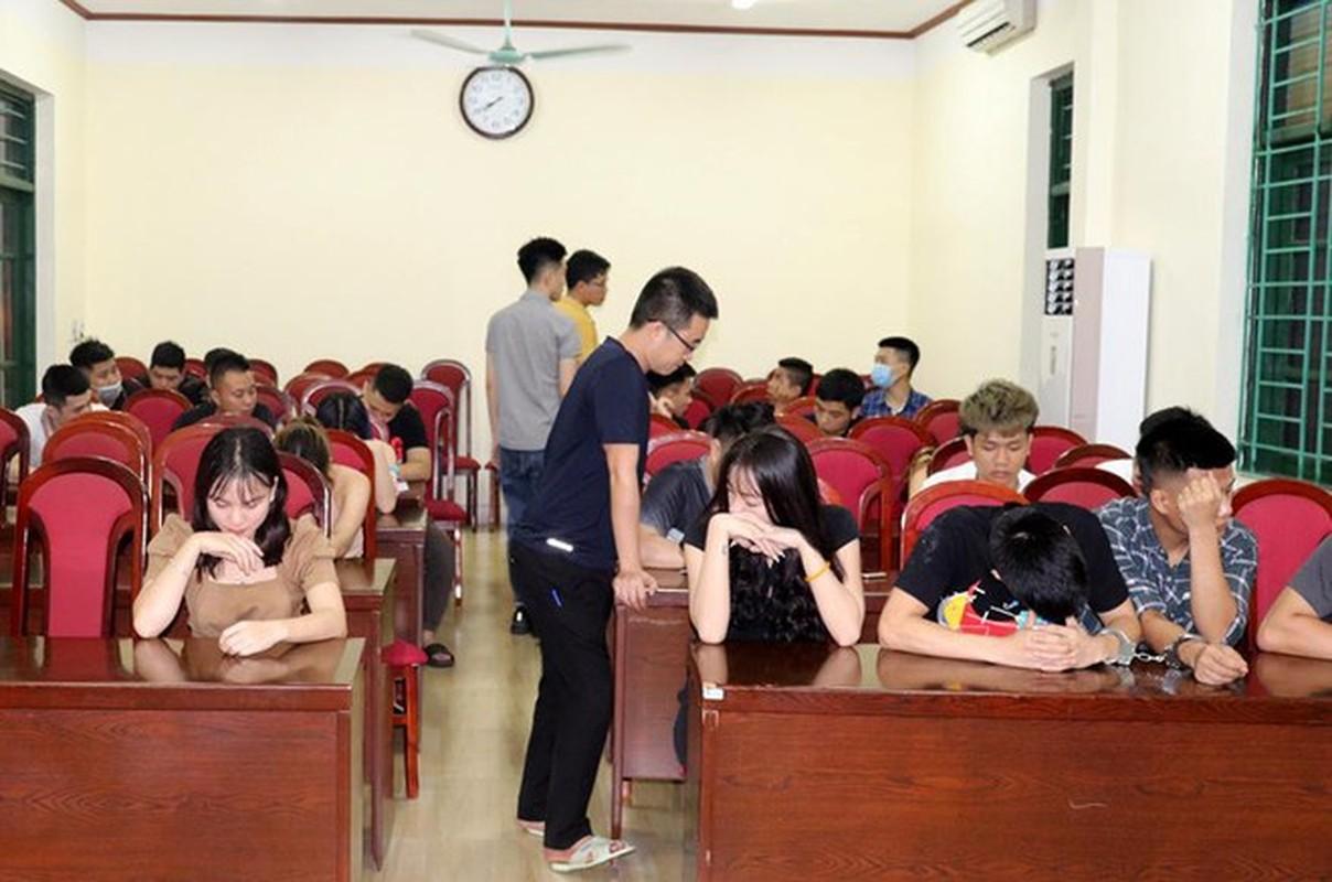 Tin nong ngay 24/4: Dieu tra thi the bi dot chay tro xuong o Binh Thuan-Hinh-5