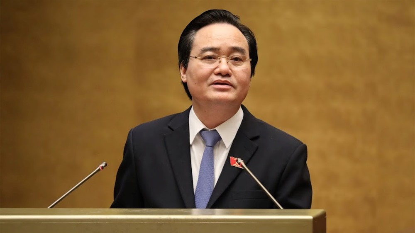 Ong Phung Xuan Nha giu chuc Pho Truong Ban Tuyen giao Trung uong-Hinh-6