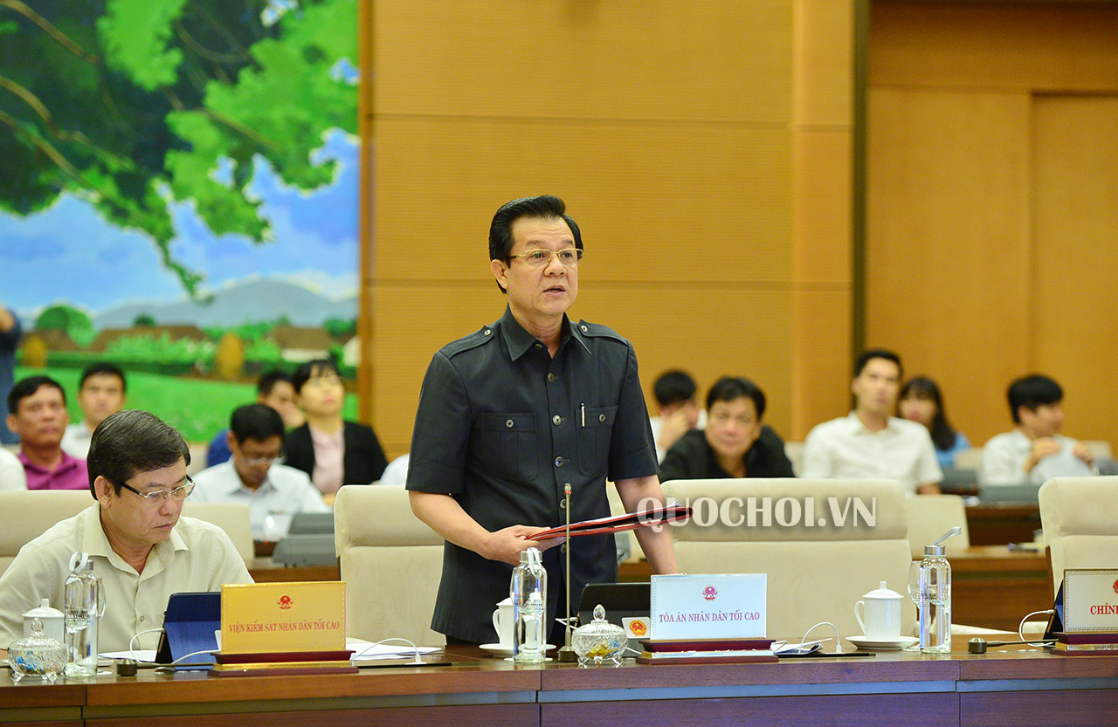 Chan dung tan Bi thu Tinh uy An Giang Le Hong Quang-Hinh-3