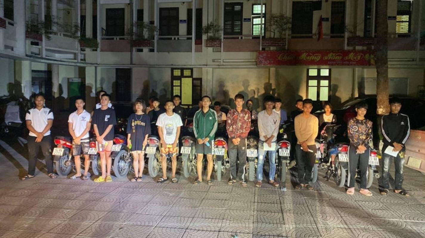 Tin nong ngay 1/5: Vung Tau phat khach tam bien khong deo khau trang-Hinh-2