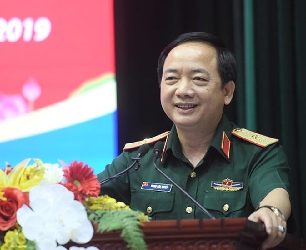 Chan dung tan Pho Chu nhiem Tong cuc Chinh tri QDND Viet Nam-Hinh-2