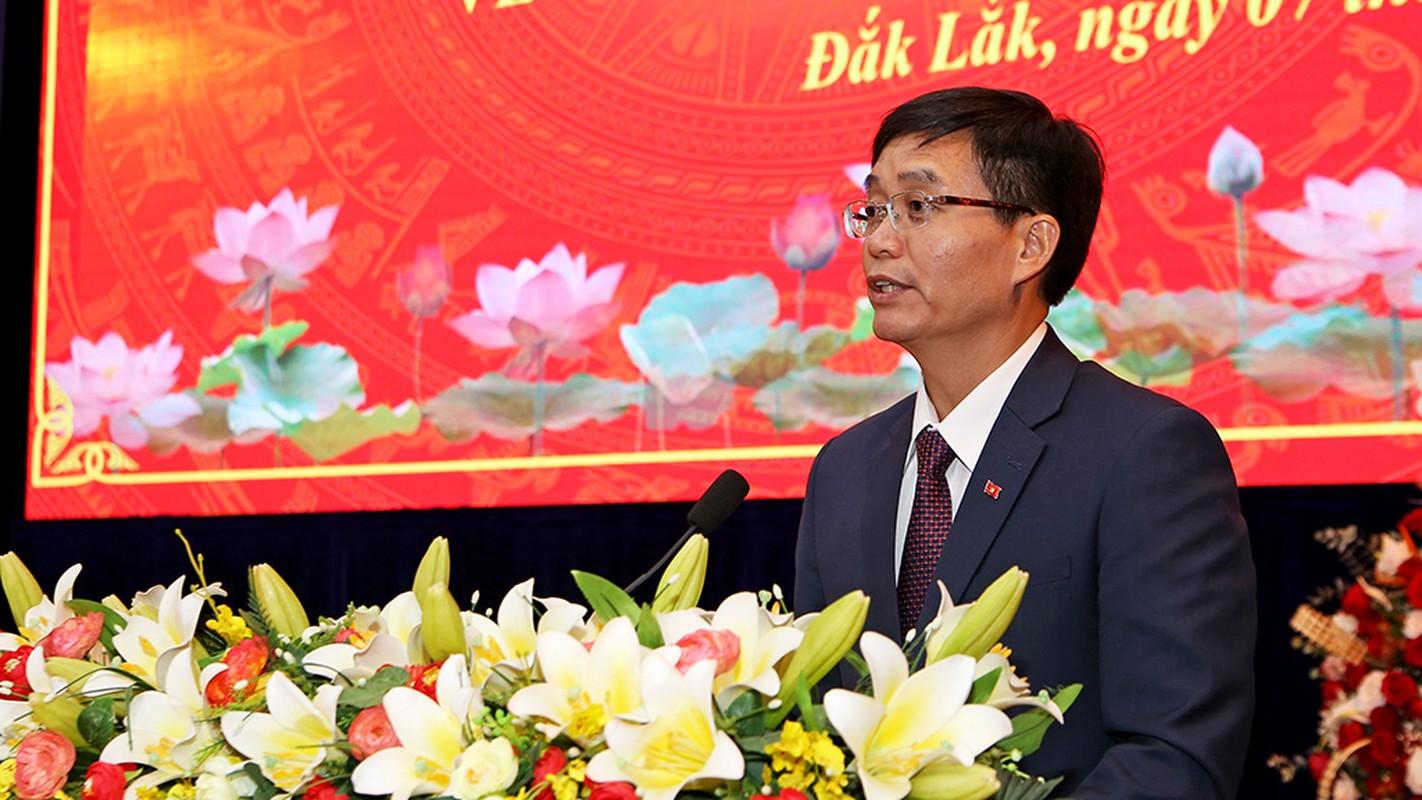 Chan dung tan Bi thu Tinh uy Dak Lak Nguyen Dinh Trung-Hinh-4
