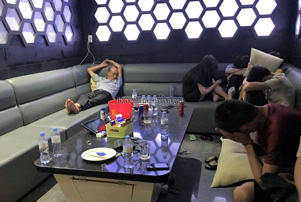 "Diem mat cac quan karaoke bat tuan ""lenh cam"", len lut hoat dong-Hinh-10"