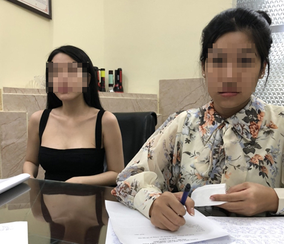 """Nhung co gai nem """"trai dang"""" khi cam dau sextour chan dai-Hinh-2"""