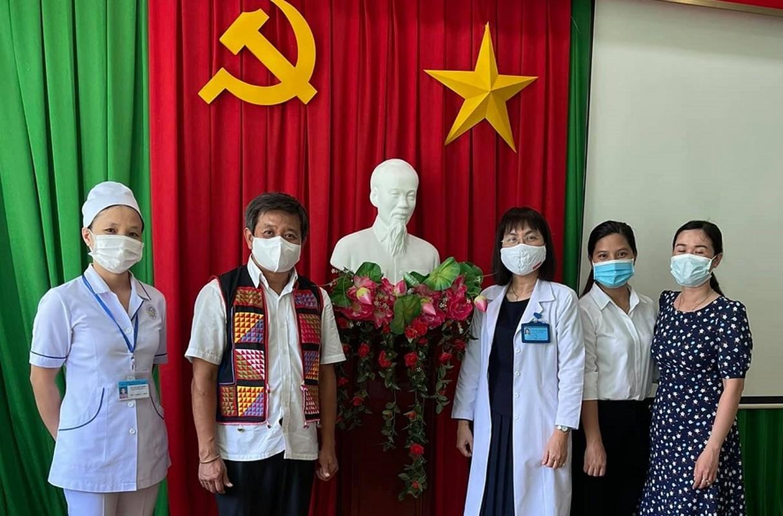 Giua lum xum Hoai Linh, ong Doan Ngoc Hai lai co hanh dong khien du luan tan duong-Hinh-6