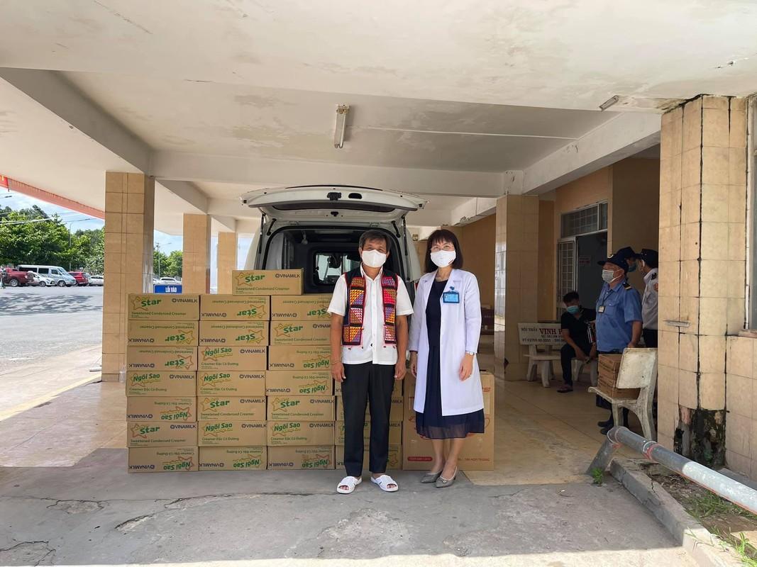 Giua lum xum Hoai Linh, ong Doan Ngoc Hai lai co hanh dong khien du luan tan duong-Hinh-7