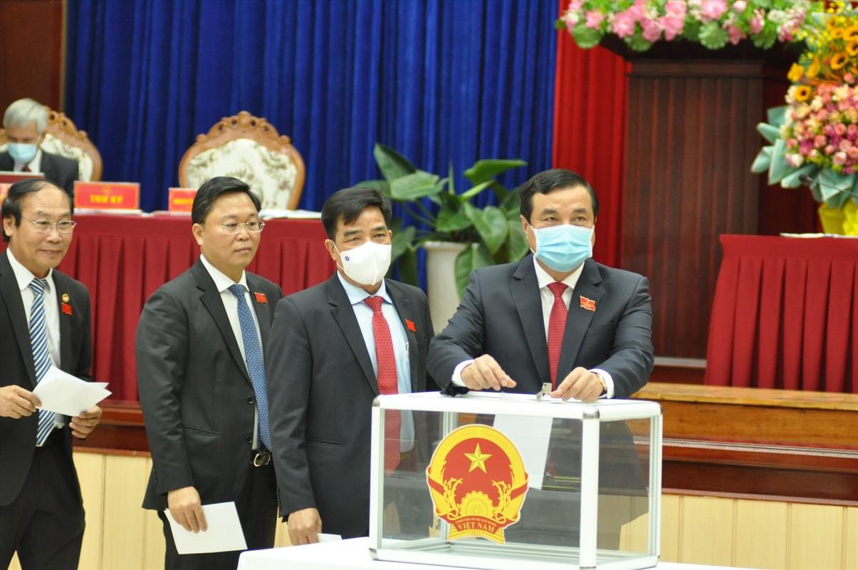 Ong Le Tri Thanh tai dac cu Chu tich UBND tinh Quang Nam