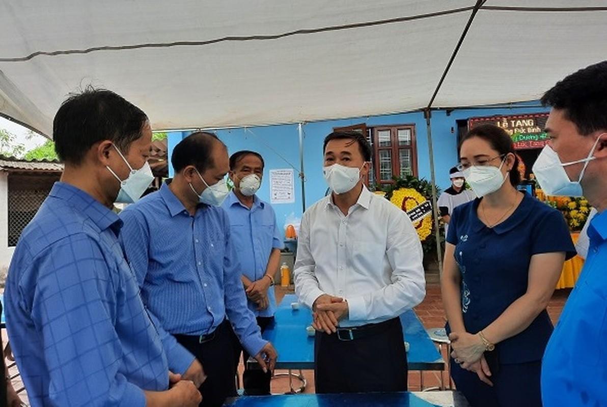 Nu sinh Hai Duong khong the ve chiu tang bo vi dang chong dich tai TP HCM-Hinh-8