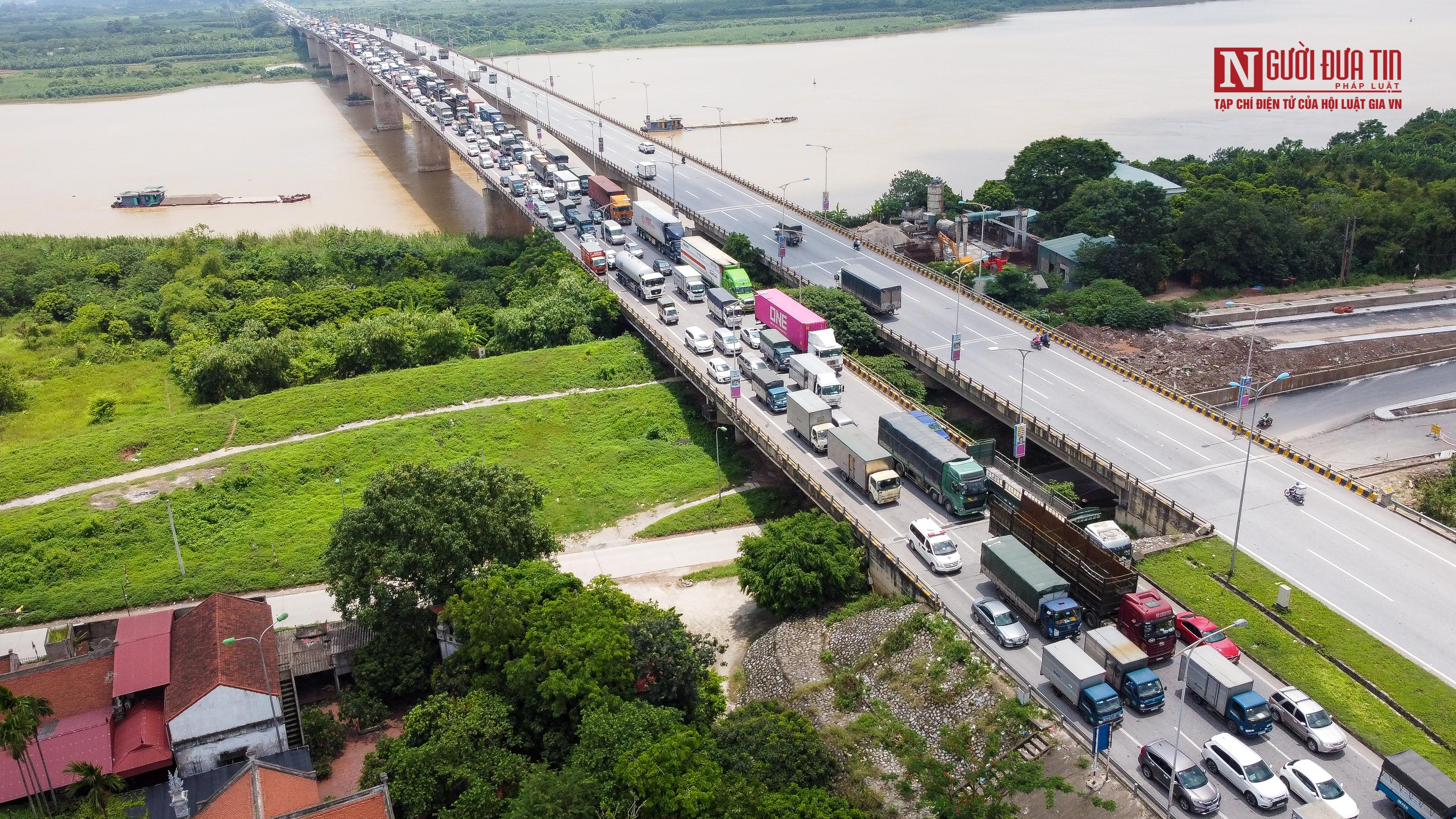 Tai xe di gan 2.000km ra Ha Noi phai quay dau tai cua ngo Thu do-Hinh-12