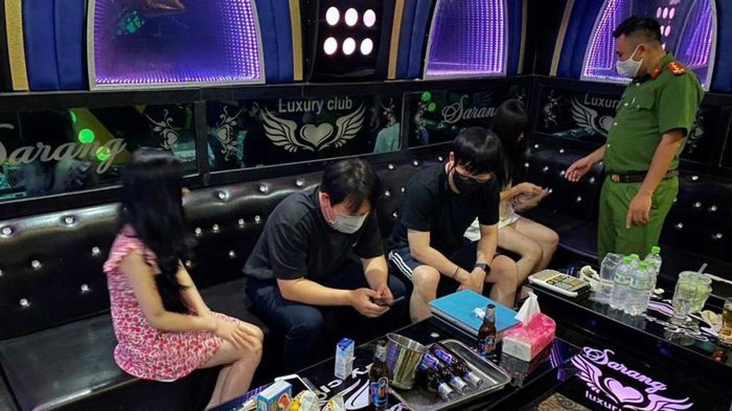 """Karaoke """"chui"""" bat tuan lenh cam: Bi hai nhung cai ket co…1-0-2-Hinh-4"""