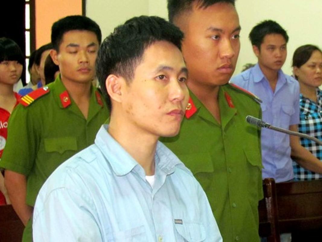 Nhin lai vu nguoi phu nu tren dat Cang bi doat mang-Hinh-13