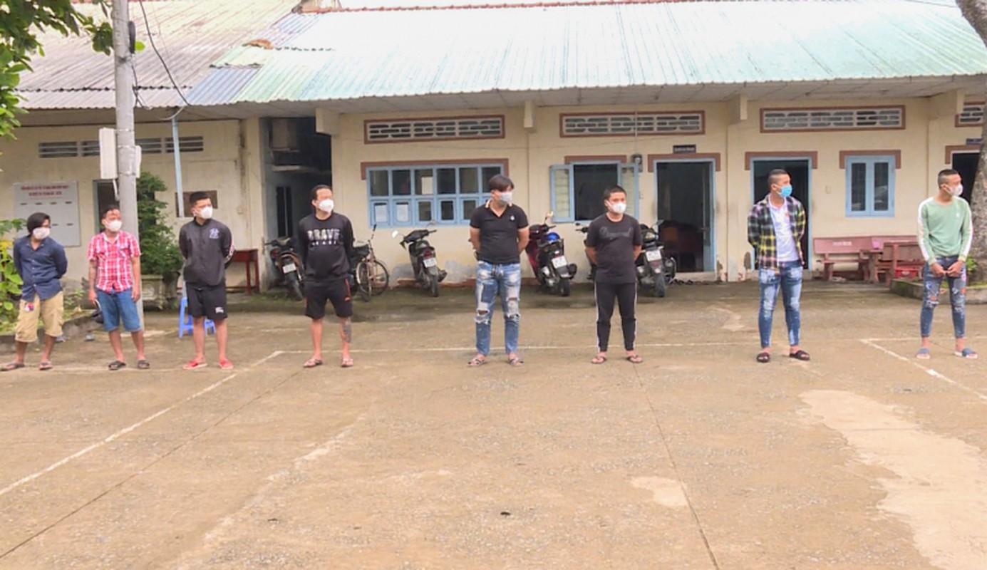 Tin nong ngay 26/9: Hotgirl Binh Phuoc trom 2.380 nhan vang bi khoi to-Hinh-2