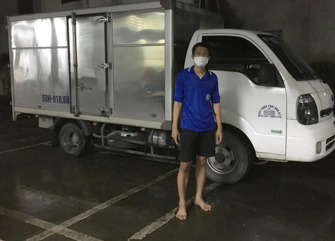 Tin nong ngay 26/9: Hotgirl Binh Phuoc trom 2.380 nhan vang bi khoi to-Hinh-4