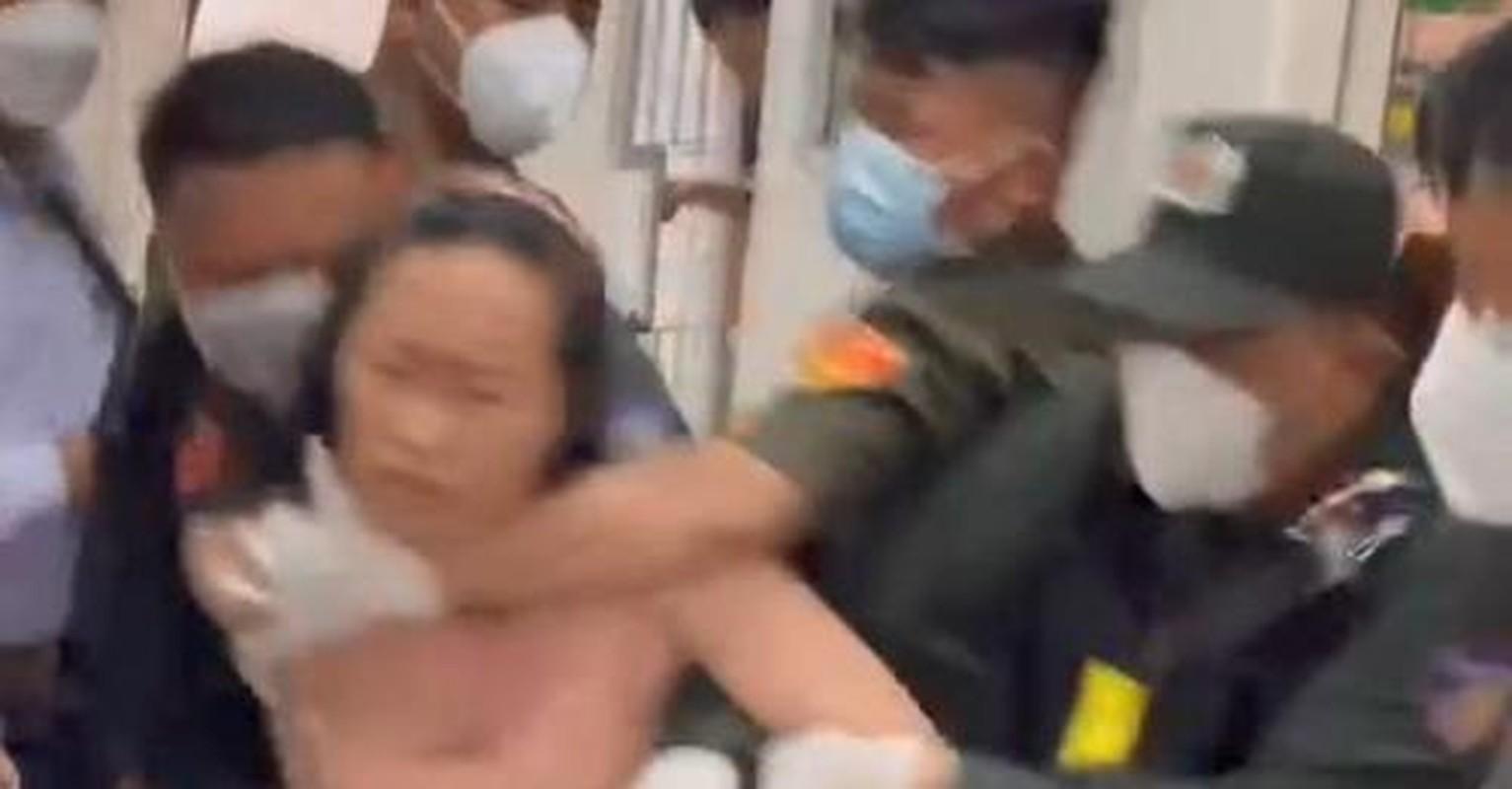 Cuong che xet nghiem COVID-19 o Binh Duong: Dan khong chap hanh… dang len an-Hinh-5