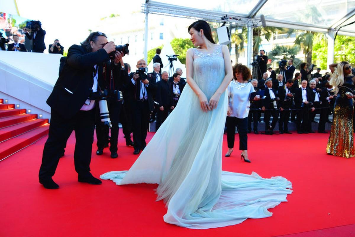 Ly Nha Ky co nguoi chinh vay tren tham do Cannes-Hinh-10