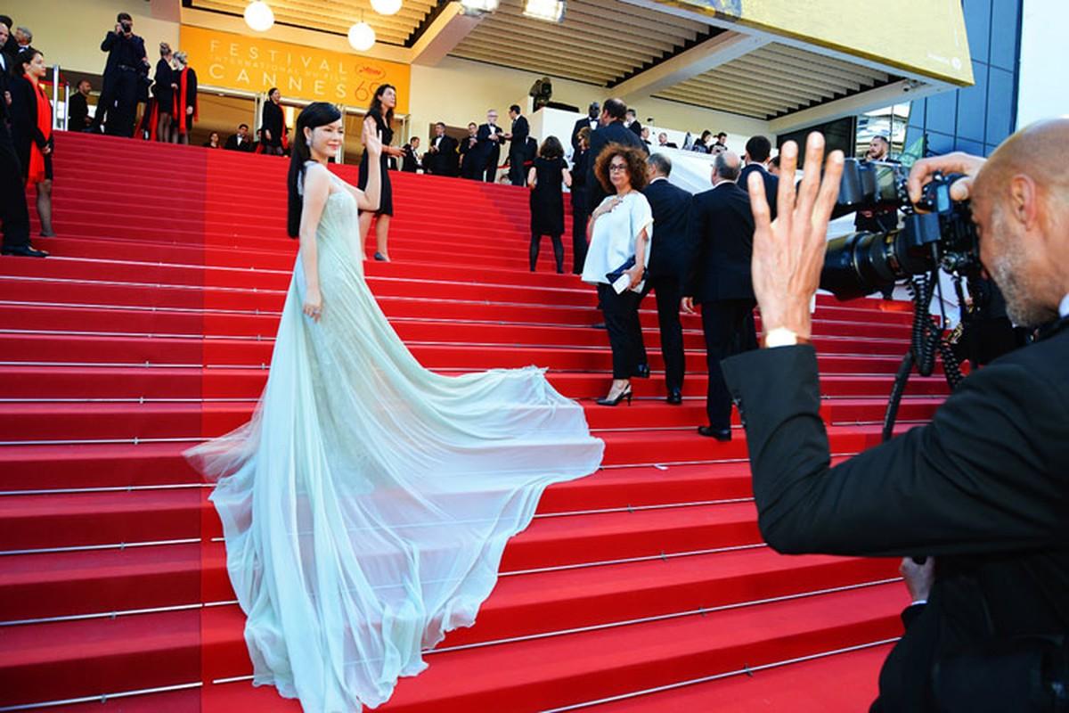 Ly Nha Ky co nguoi chinh vay tren tham do Cannes-Hinh-12