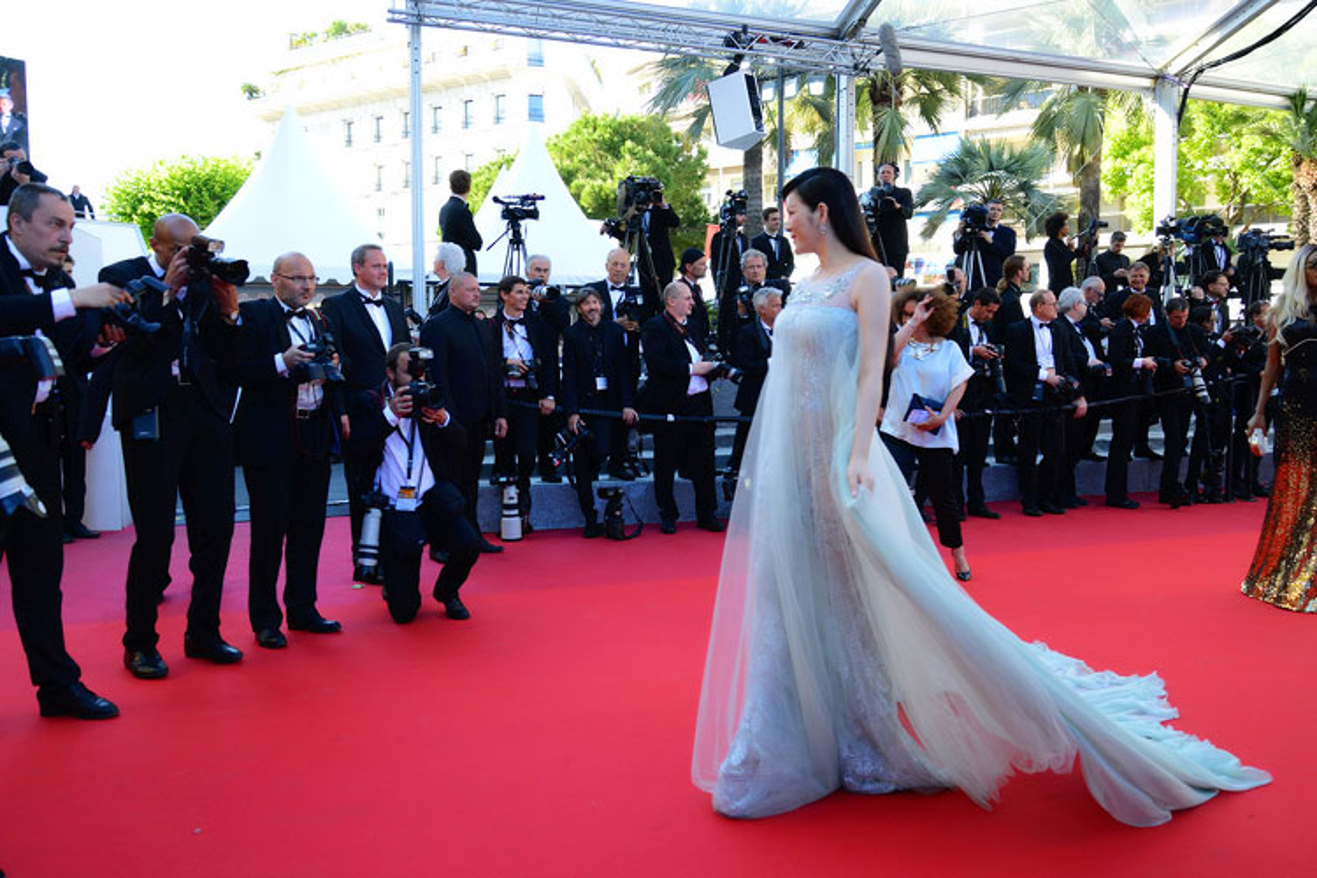 Ly Nha Ky co nguoi chinh vay tren tham do Cannes-Hinh-13