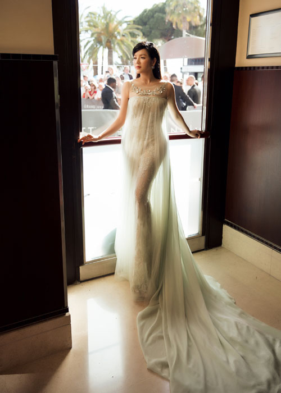 Ly Nha Ky co nguoi chinh vay tren tham do Cannes-Hinh-2
