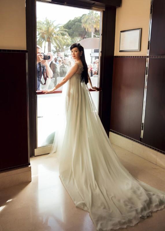 Ly Nha Ky co nguoi chinh vay tren tham do Cannes-Hinh-3