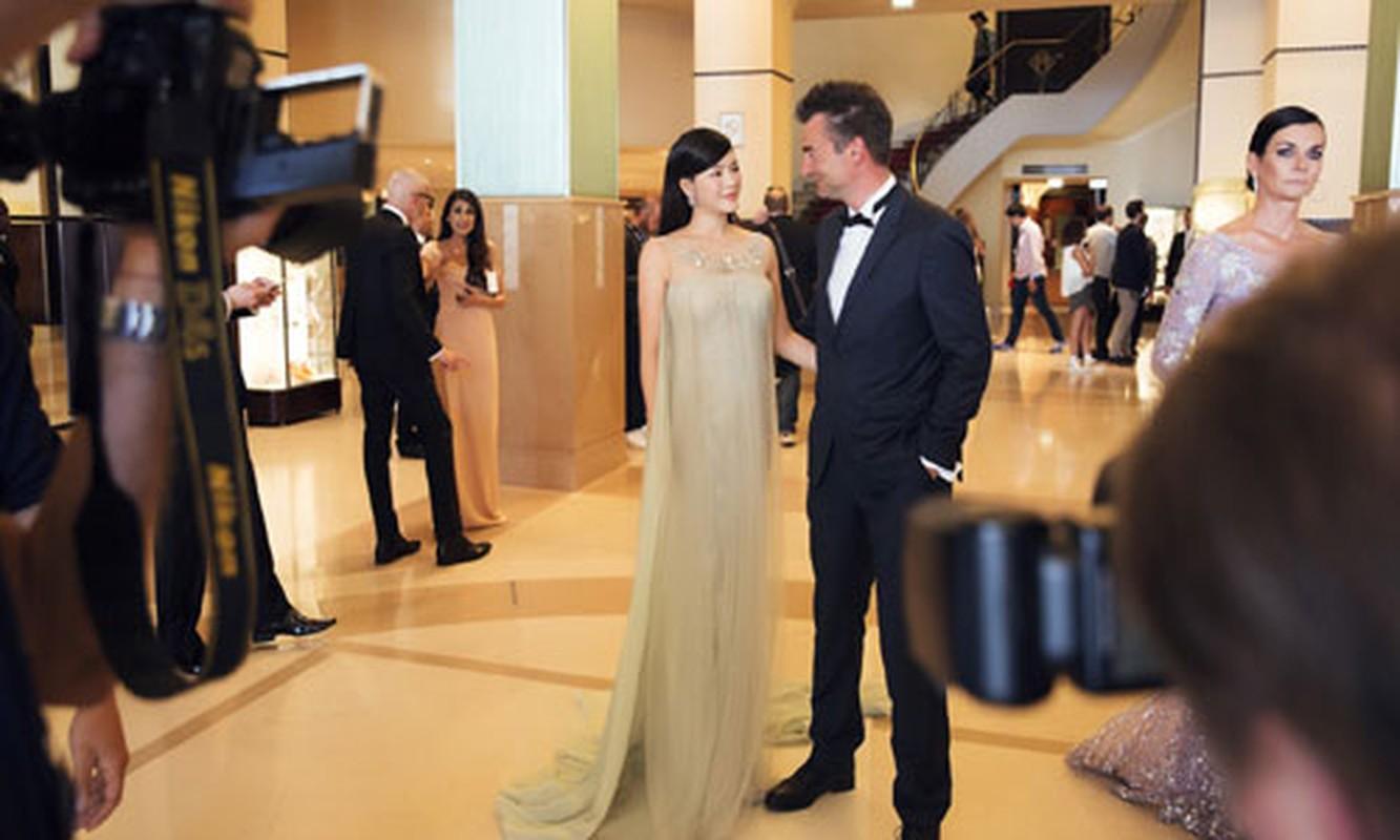 Ly Nha Ky co nguoi chinh vay tren tham do Cannes-Hinh-5