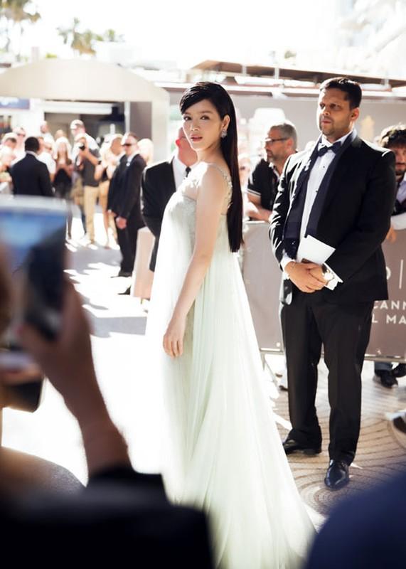 Ly Nha Ky co nguoi chinh vay tren tham do Cannes-Hinh-6