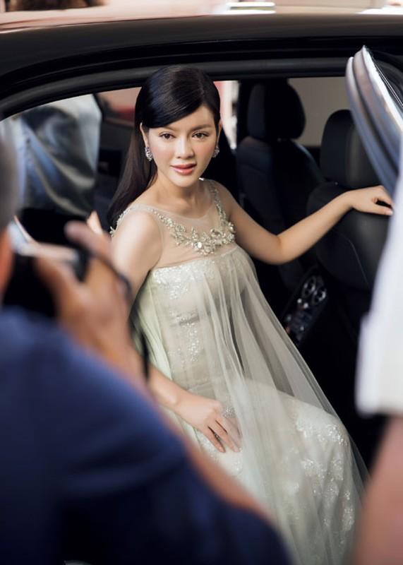 Ly Nha Ky co nguoi chinh vay tren tham do Cannes-Hinh-7