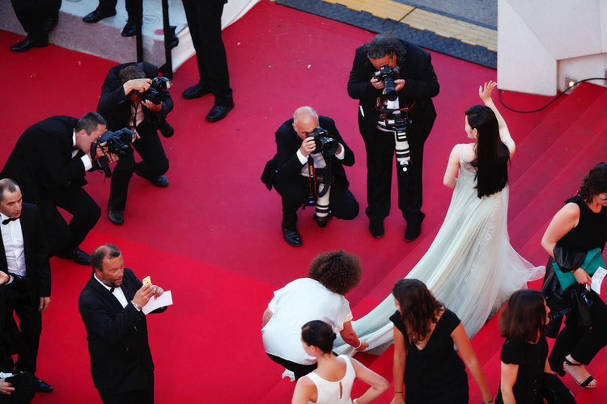 Ly Nha Ky co nguoi chinh vay tren tham do Cannes-Hinh-9