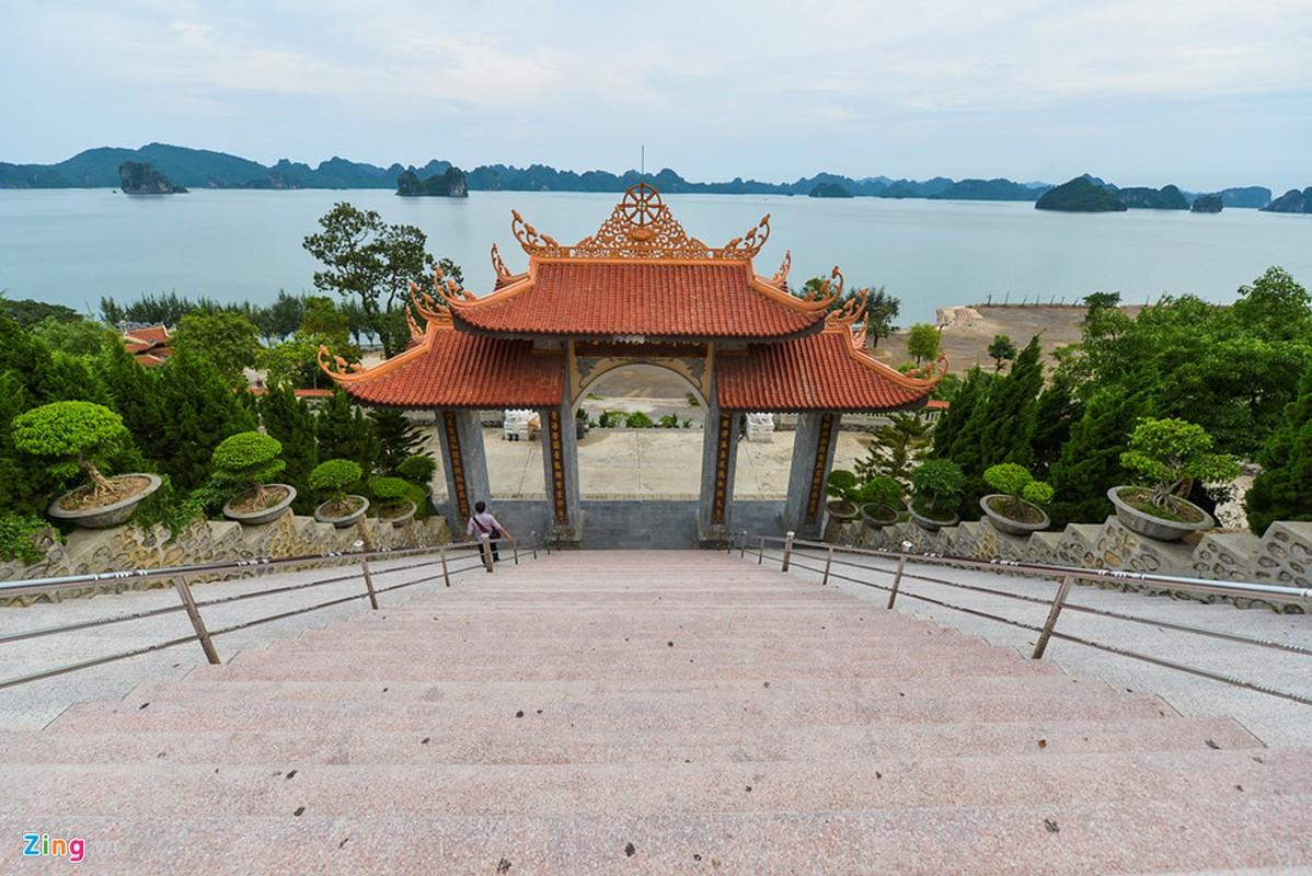 Chiem nguong ngoi chua ven bien dep nhat Quang Ninh-Hinh-10