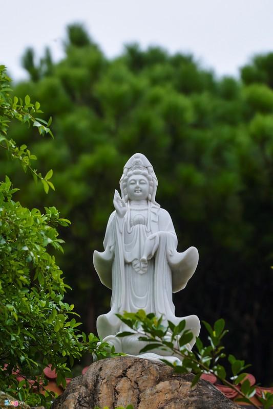 Chiem nguong ngoi chua ven bien dep nhat Quang Ninh-Hinh-13