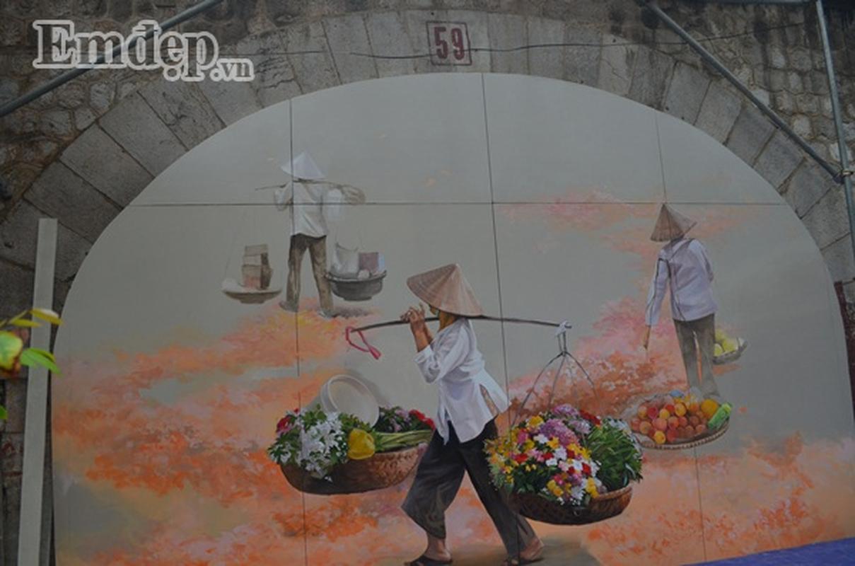 Nhung buc bich hoa dau tien tren pho Phung Hung co gi dac biet?-Hinh-2