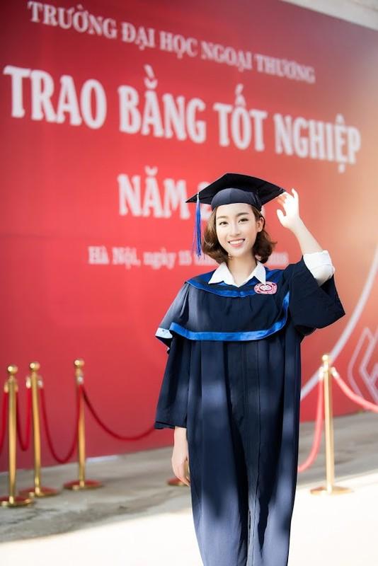 Do My Linh nhan bang tot nghiep truoc 1 ngay het nhiem ky HHVN-Hinh-3