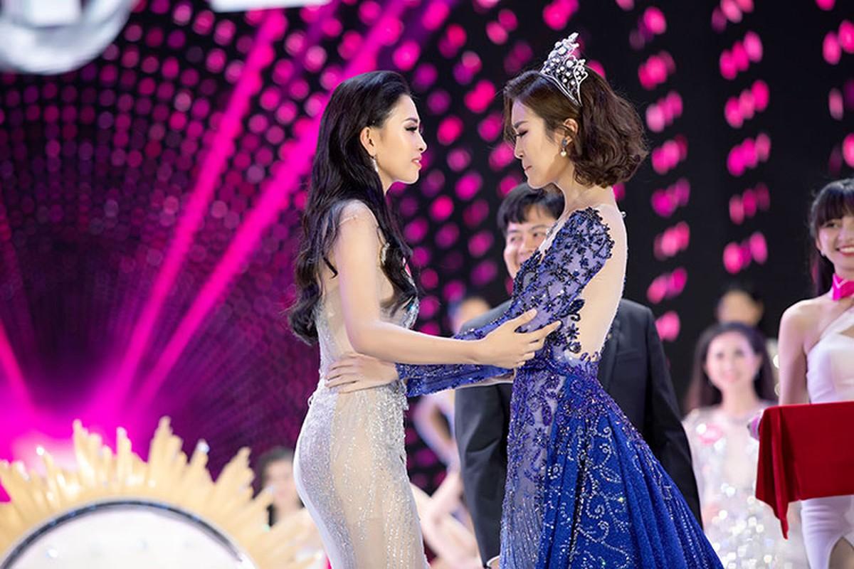 Khong chi Tran Tieu Vy, Do My Linh cung xinh ngut troi trong chung ket