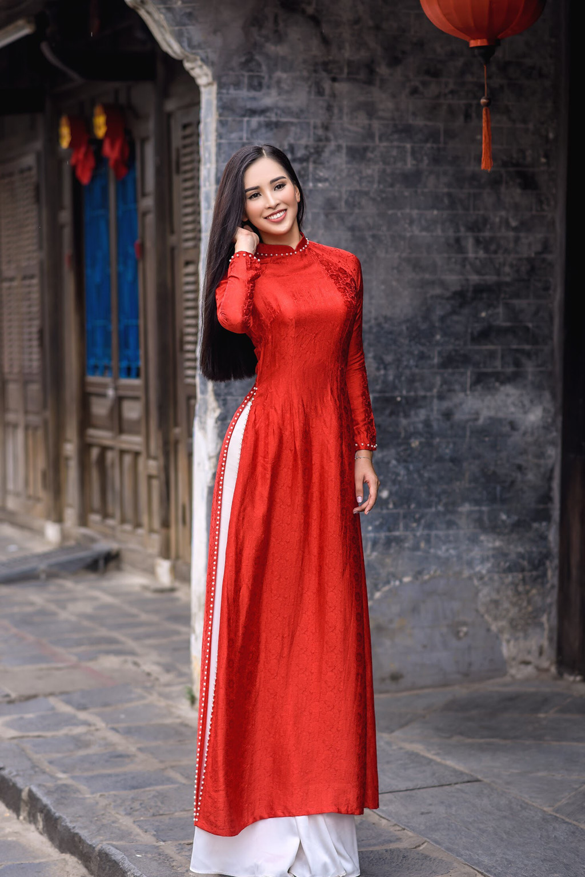Hoa ra Tran Tieu Vy tung lam nguoi mau cho Hoa hau Ngoc Han-Hinh-7