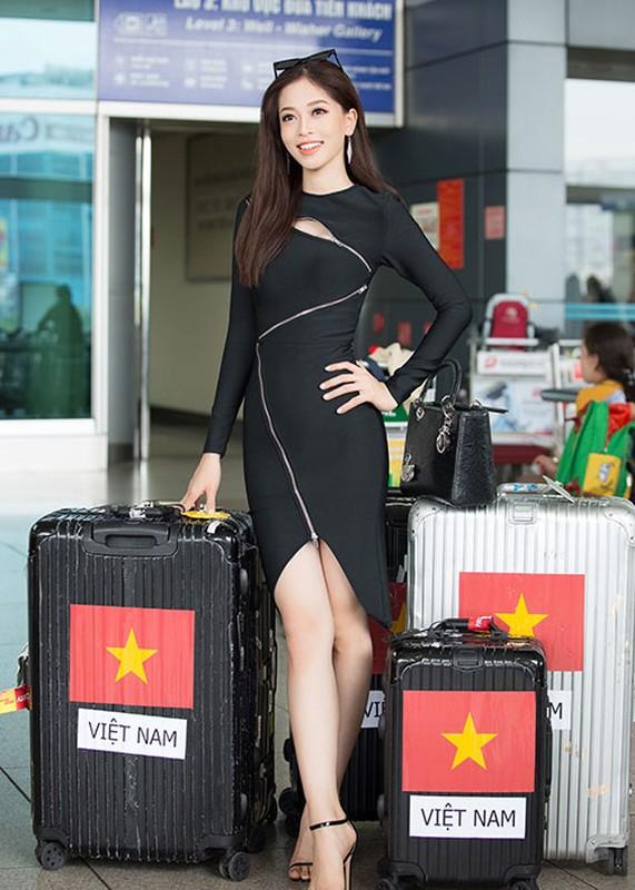 Hoa hau Tieu Vy tuoi roi tien Phuong Nga di thi quoc te-Hinh-3