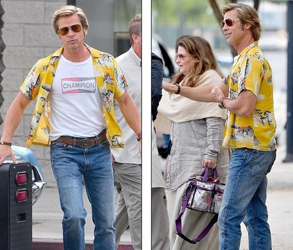 Brad Pitt than nhien om ban dien nu o phim truong-Hinh-4