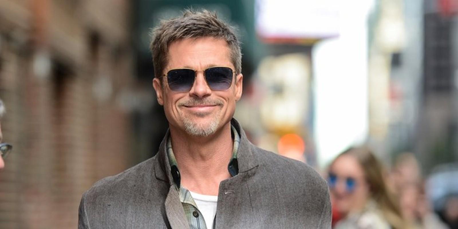 Brad Pitt than nhien om ban dien nu o phim truong-Hinh-9