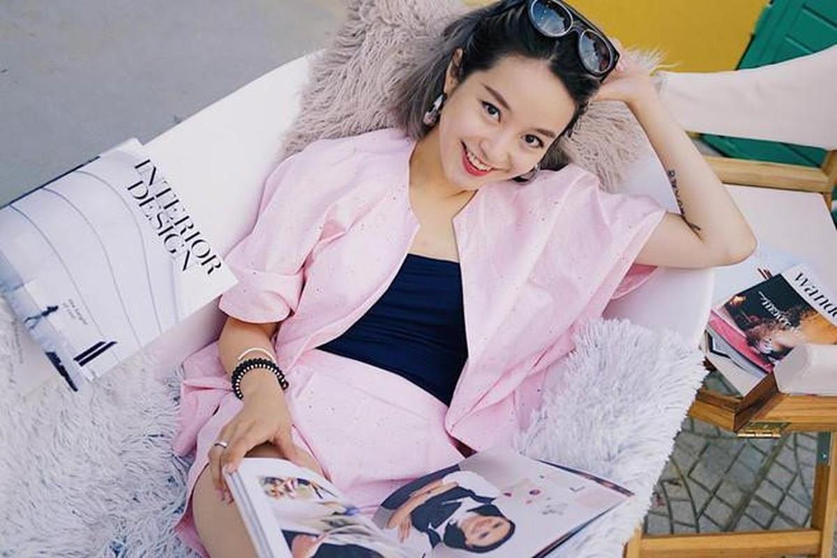 Soi duong tinh cua Huyen Lizzie va loat hot girl Viet doi dau-Hinh-4